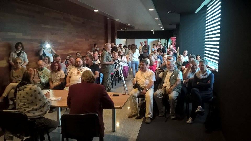 manifestacja-kod-pila-spotkanie